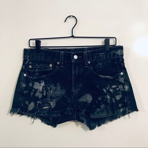 Distressed Levi shorts size 31 bleached